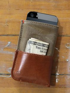 Genuine mahogany leather iPhone 4 & 5 pouch/wallet from DodoCase, with orange-poppy cotton interior. It perfectly fits and protects your brand new shiny iPhone They also feature the same model for the iPhone 4 and DodoCase calls this case model Iphone 5 Cases, Iphone Wallet, Iphone 5s, Phone Case, Iphone Accessories, Leather Accessories, Best Cars For Women, Macbook Sleeve, Best Iphone