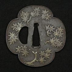 Tsuba of maple leaves design 紅葉樹図