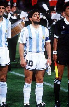para clasificar, Argentina debía ganar o ganar. Si empataba podía pasar como mejor tercero #Italia90