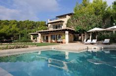 photo gallery of luxury Villa Amalia in Porto Heli, Greece, vacations on a luxury hotel Beautiful Home Designs, Beautiful Homes, Luxury Villas In Greece, Beach House, Swimming Pools, House Design, Vacation, Mansions, House Styles