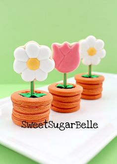 Sweet little flower pot cookies. Seems like a lot of work but a cute idea for maybe Mother's Day.