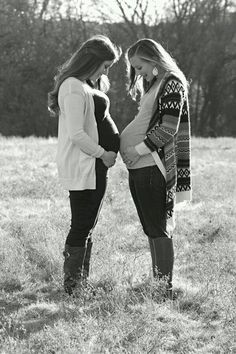 Best friend maternity photography