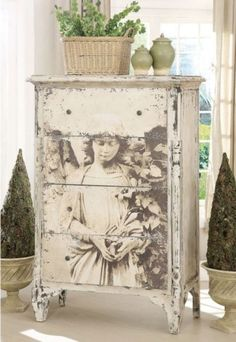 7 Successful Tips AND Tricks: French Shabby Chic Curtains shabby chic background decoupage. Old Furniture, Repurposed Furniture, Shabby Chic Furniture, Furniture Projects, Furniture Makeover, Painted Furniture, Vintage Furniture, Refurbished Furniture, Bedroom Furniture
