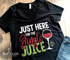 Cute Christmas Shirts, Christmas T Shirt Design, Vinyl Designs, Shirt Designs, Christmas Party Themes, Birdhouse Designs, Glitter Girl, Halloween Shirt, Workout Shirts