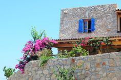 I Bodrum - Cobblestone homes, blue windows & doors, bougainvilleas. Just Go, To Go, Next Holiday, Bougainvillea, Life Is Beautiful, Places To See, Planting Flowers, The Good Place, Exterior