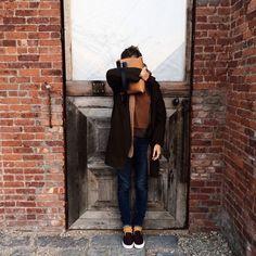 Andreea Diaconu au centre Pioneer Works http://www.vogue.fr/mode/mannequins/diaporama/la-semaine-des-tops-sur-instagram-44/20925/image/1108925#!andreea-diaconu-au-centre-pioneer-works