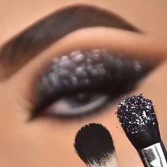 Goth Eye Makeup, Glam Makeup Look, Makeup Looks, Beginners Eye Makeup, Eyeliner, Eyeshadow, Natural Makeup, Mac Cosmetics, Eyelashes