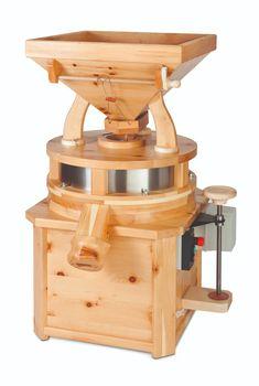 Die WALDNER GEWERBEMÜHLE GM 30 ist ein Powerpaket. Ausgestattet mit einem Industriemotor mit Überlastungsschutz. Der Mahlsteindurchmesser beträgt 30 cm. Die Verstellung des Feinheitsgrades erfolgt stufenlos. #getreidemuehle #mahlen #selbstmahlen #madeinaustria #madeintyrol #osttirol