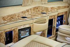 Mercedes-Benz V-Class Black Crystal by Larte Design