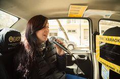 Llegó Taxi Karaoke para cantar mientras viajas!   Viajar con Easy Taxi por Buenos Aires puede ser muy divertido y GRATIS. Con el eslogan Si cantas no pagás y con la excusa de festejar la llegada de la primavera de una manera original y musical desde el 2 al 13 de octubre los usuarios que ingresen en la App y soliciten el servicio de taxi pueden ser sorprendidos sin costo adicional por el Taxi Karaoke. Los taxis estarán equipados con un sistema karaoke: pantalla micrófono y cientos de…