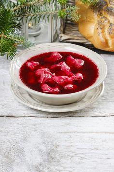 A Polish Christmas Eve: Barszcz with Uszka // Wine & Poppies.