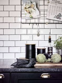 Black kitchen with a rustic look - COCO LAPINE DESIGNCOCO LAPINE DESIGN