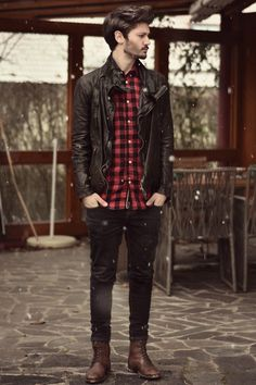what a classic look, i think any guy could pull this off if he wanted too.