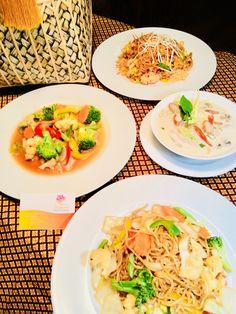 family set Salakanan THAI Restaurant Offenburg Thai Restaurant, Family Set, Thai Recipes, Japchae, Pasta Salad, Thai Red Curry, Menu, Food, Home Made