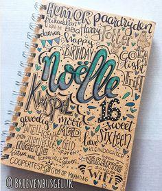 • Notitieboekje Noëlle • ©️ 📔🐔🐰🍟1️⃣6️⃣🎉 Als je allerliefste nichtje 16 wordt, dan wil je haar natuurlijk niet zomaar het eerste het beste… Creative Lettering, Brush Lettering, Altered Books, Craft Gifts, Bujo, Doodles, Typography, Sketches, Notebook