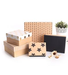 Cardboard boxes are the most durable packaging boxes that can be completely customized in terms of shapes, sizes, and designs in the most sustainable and economical manner. Craft Packaging, Custom Packaging Boxes, Cardboard Packaging, Box Packaging, Packaging Company, Packaging Services, Product Packaging, Paper Gift Box, Diy Gift Box