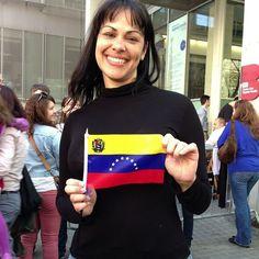 #TBT abril de 2013 las últimas #elecciones presidenciales en #Venezuela cuando ocurrió lo PEOR. En aquel momento estábamos llenos de esperanza... y hoy #1septiembre esa esperanza ha brillado de nuevo a través de millones de #venezolanos que salieron a marchar para exigir su país de regreso.  Ese país en el que nacimos y crecimos que nos dio nuestro acento nuestras arepas nuestra música de los 80. Ese país que ya no existe.  Yo también te extraño #Venezuela  pero sueño con que algún día mis…