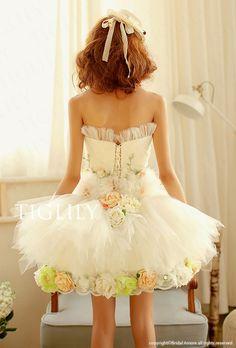 【楽天市場】【送料無料】簡単オーダーメイド_ミニドレス_ウェディングドレス_ウエディングドレス_結婚式_二次会(s105w ホワイト):ブライダルアモーレ Pretty Dresses, Beautiful Dresses, Short Dresses, Prom Dresses, Quince Dresses, Lolita Fashion, Wedding Gowns, Ball Gowns, Fashion Dresses
