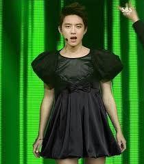 But Kyungsoo looks fine in black! Kpop Exo, Baekhyun Chanyeol, Btob, Shinee, Exo Lockscreen, Xiuchen, Do Kyung Soo, Exo Memes, Funny Memes