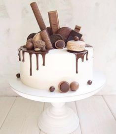 55 ideas for birthday cake chocolate drip salted caramels – Cake 2020 Caramel Drip Cake, Salted Caramel Cake, Salted Caramels, Food Cakes, Cupcake Cakes, Chocolate Cupcakes Decoration, Cupcake Decorations, Bolos Naked Cake, Fruit Cake Design