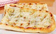 Garlic bread with cheese. Garlic bread with melted cheese on a plate , Epicure Recipes, Bread Recipes, Cooking Recipes, Pizza Recipes, Onion Bread, Garlic Cheese Bread, Creamy Vegetable Soups, Food Ethics, Curried Butternut Squash Soup