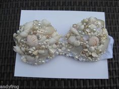 seashell bra...tell me what size does this come in? Cause I imagine a average C must weigh a ton!