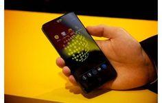 Consumidores que encomendaram seusBlackphonesno começo do ano começaram a receber seus dispositivos. Segundo a PEC Tecnologies, empresa responsável pelo desenvolvimento e construção do produto, o primeiro lote de celulares já está sendo entregue.O aparelho roda uma versão modificada do Android cha