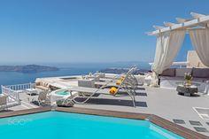 Thea Apartments in Santorini by Nikolaos Mitkanis Santorini Island, Apartments, Greece, Outdoor Decor, Home Decor, Greece Country, Decoration Home, Room Decor, Interior Design