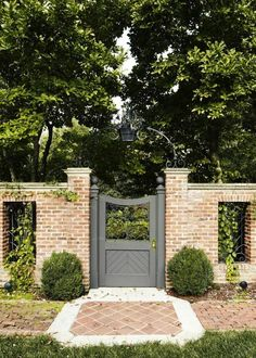 10 Refined Cool Tips: Modern Fence And Construction Llc Garden Fence Design Plans.Fence Ideas Without Digging Fence Ideas Backyard. Brick Fence, Front Yard Fence, Front Gates, Brick Wall, Wood Wall, Brick Garden, Farm Fence, Cedar Fence, Brick Courtyard