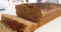 Pão de Farelos de aveia e trigo Esse pão é muito versátil. Serve para o café da manhã. Para os lanchinhos. Dá para incrementar a receita e saborizar ou ainda fazer com adoçante forno e fogão que vira pão doce.