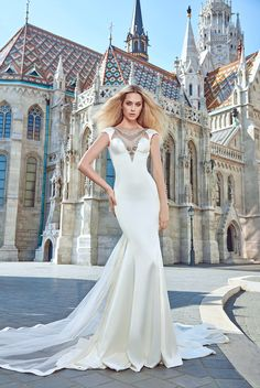 Juliana - Galia Lahav Haute Couture Fall 2016 Collection. www.theweddingnotebook.com