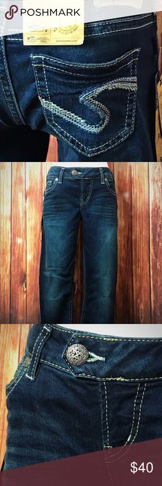 """New Silver Tuesday Capris Size 29 New with tags. Comes from a smoke free home. Low rise with a slim hip and thigh. Across the waist with dip is 14"""" and the inseam is 25"""". Silver Jeans Jeans Ankle & Cropped"""