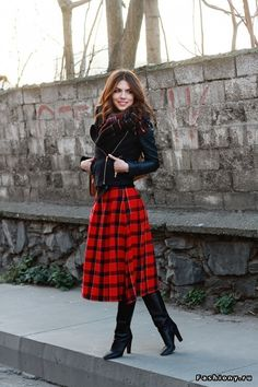 Mode 2018 Must-Haves: Volle Röcke Modest Outfits, Skirt Outfits, Modest Fashion, Fashion Outfits, Womens Fashion, Tartan Skirt Outfit, Fashion Boots, Mode Tartan, Cute Valentines Day Outfits