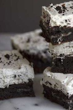 Cookies and Cream Brownies | Dixie Crystals Recipe