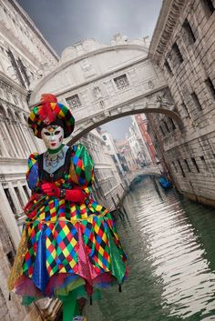 Carnival in Venice with Arlecchino! If you're in the Bay Area, email info@idesli.com to schedule your first Italian Class!