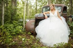 Styled Country Wed Inspiration in Alberta | Wedding Obsession - Canadian Blog