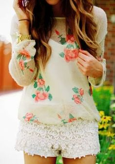 Laced shorts with floral chiffon top | Fashion Inspiration