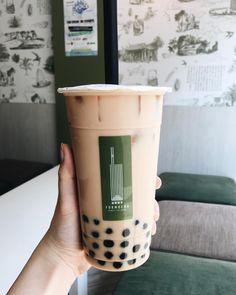 Save = Fl me ❤ Nhi Handsome 🌸 Tea Recipes, Baby Food Recipes, Bubble Boba, Bubble Tea Supplies, Boba Drink, Bubble Milk Tea, Cocktails, Aesthetic Food, Creme