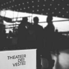 Ik ben in het theater dus de winnaar wordt toch wat later bekend gemaakt! Excuses. :-) #woordkunsten #wendesnijders