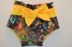 Quiero compartir lo último que he añadido a mi tienda de #etsy: Bombachos,niña #pantalonescortos #ropa #bloomers #handamade #moda http://etsy.me/2AwZx2I