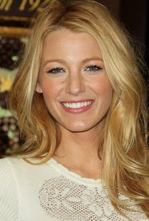 Find the latest fashion news and opinion pieces on the official Grazia Daily site. Discover beauty how-tos, celebrity news and get your daily shopping fix. Blake Lively, Fashion News, Latest Fashion, Tanya Burr, Hair Magazine, Signature Look, Beauty Hacks, Beauty Tips, Celebrity Hairstyles