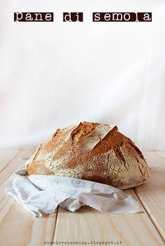 Pane di semola - Semolina bread http://simolovecooking.blogspot.it/2015/02/pane-di-semola.html