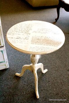 DIY And Crafts: Mod Podge script table top! via Refresh Restyle Decoupage Furniture, Repurposed Furniture, Furniture Projects, Furniture Making, Furniture Makeover, Painted Furniture, Diy Furniture, Furniture Design, Furniture Movers