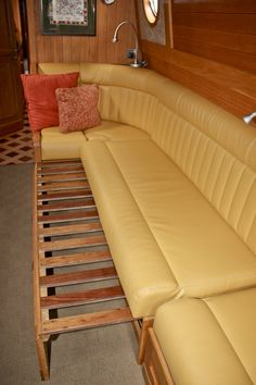 Saloon Bed settee