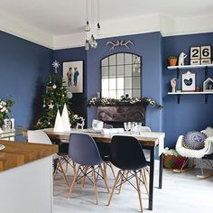 Modern dining room pictures and photos for your next decorating project. Find inspiration from of beautiful living room images Modern Dining, Dining Room Colors, Dining Room Colour Schemes, Farmhouse Dining Room, Dining Room Design, Dining Furniture, Dinner Room, Home Decor, Dining Room Blue