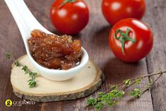 A simple Cherry tomato chutney recipe for you to cook a great meal for family or friends. Buy the ingredients for our Cherry tomato chutney recipe from Tesco today. Chili Chutney, Apple Chutney, Chili Dip, Chutneys, Tamarindo, Greek Recipes, Light Recipes, Cilantro, Comme Un Chef