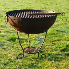 Welcome to Kadai Fire Bowls - firebowls, barbeque fire bowls and garden planters Large Fire Pit, Weber Bbq, Fire And Stone, Fire Cooking, Fire Bowls, Back Gardens, Container Plants, Garden Planters, Garden Furniture