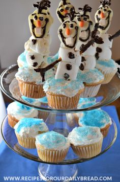 Disney Frozen Olaf Cupcakes http://recipesforourdailybread.com/2014/05/29/disney-olaf-cupcakes-from-frozen/