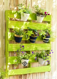 Share Via 49 DIY Home Planter Ideas For Outdoor Decoration – In addition to interior decoration, the house can also look more beautiful and beautiful with the exterior decoration. Garden Yard Ideas, Indoor Garden, Garden Projects, Backyard Ideas, Diy Projects, Outdoor Planters, Diy Planters, Outdoor Gardens, Plant Design