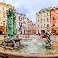 Olomouc, Czech Republic . @visitcz #visitcz #olomouc @vychodni_morava #vychodnimorava #zlinstagram @olomouc_city #olomouc #czechoutmoravia #mcp_czech